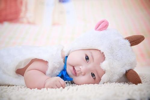 2019年3月出生的小男孩起名字大全_属猪的女孩子取乳名大全集