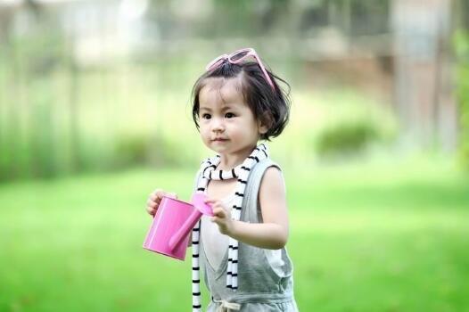 猴年阳历8月份出生的邵姓女宝宝_女孩古诗起四个字的名字大全集